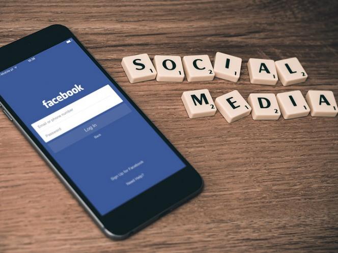 La estrategia que tiene Facebook para que te quedes más tiempo