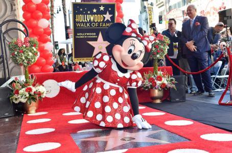 Minnie Mouse llega al Paseo de la Fama 40 años después de Mickey
