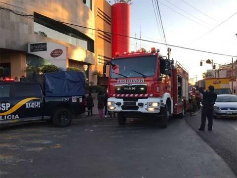 Se registra incendio en hotel de Santa Fe