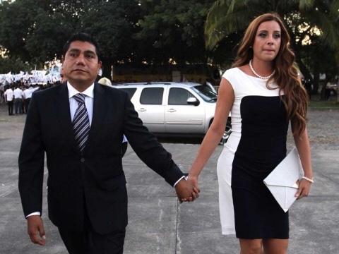 Novia de senador del PAN busca 'pluri' en San Lázaro