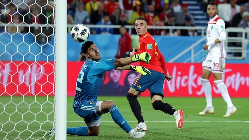 España sufrió, empató de último minuto y pasó a Octavos
