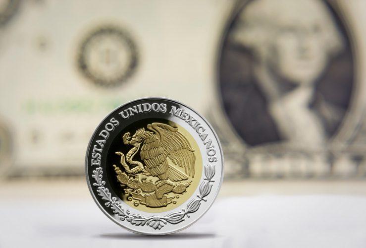 Dólar cotiza en 19.78 pesos y sigue a la baja