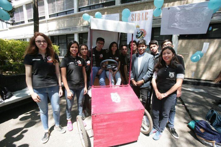 Crean bicicleta colectiva con transformador de energía para cargar dispositivos