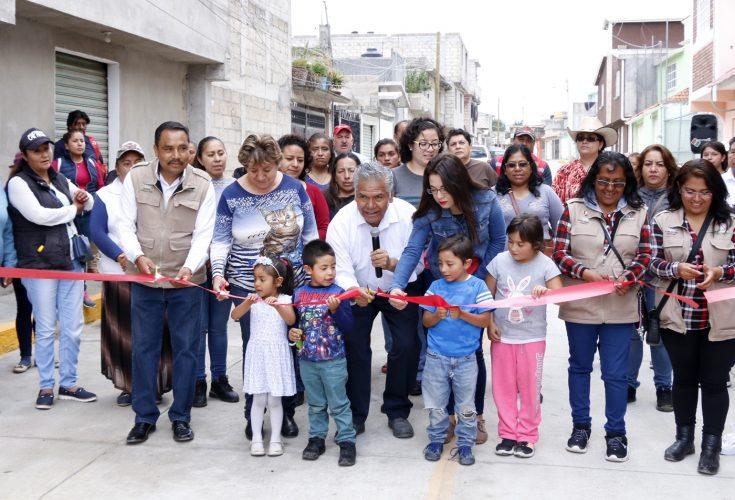 Entregan obras de infraestructura urbana en el Seminario 2 de Marzo