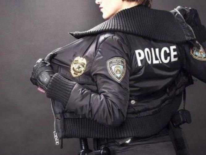 Policía sexy se escapa con reo tras ser liberado