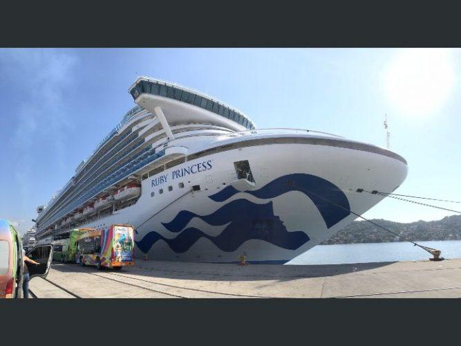 Arriban a Mazatlán cruceros Ruby Princess y Carnival Splendor