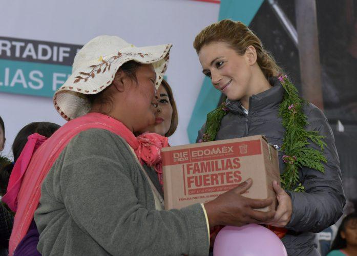 Otorga DIFEM alimentación, vivienda y servicios básicos a mexiquenses de localidades de alta marginación