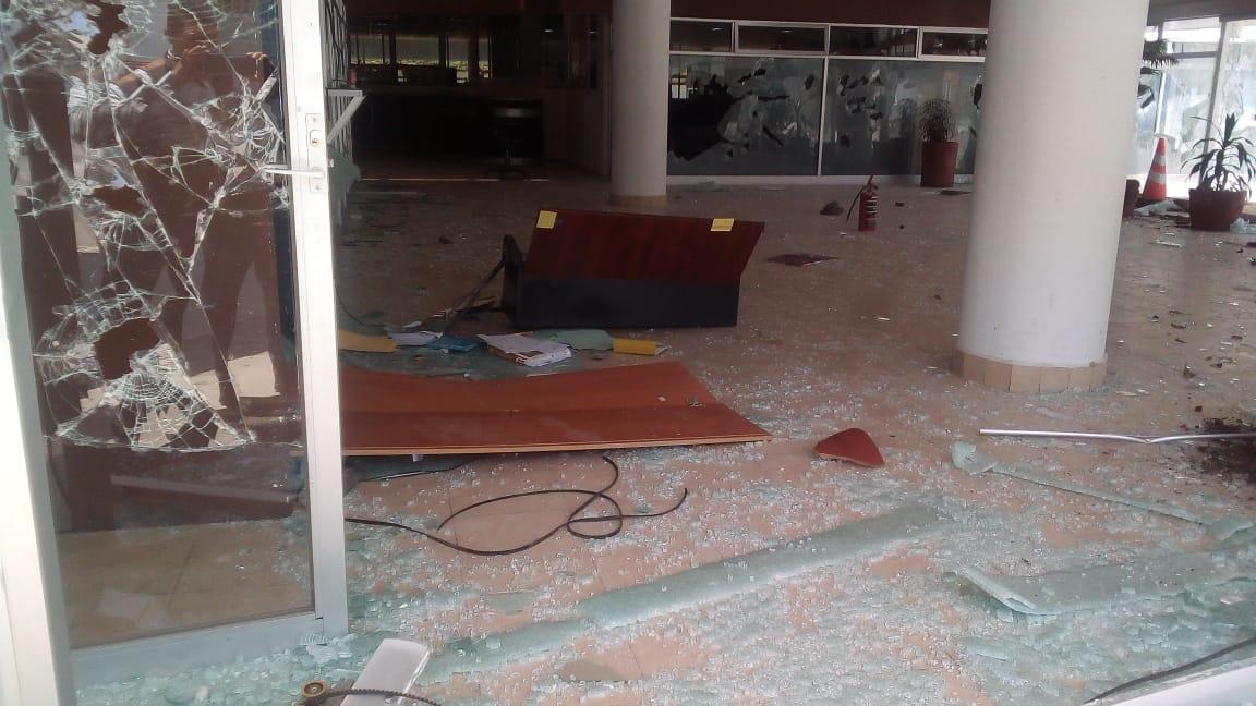 Vandalizan instalaciones del SEIEM en Toluca