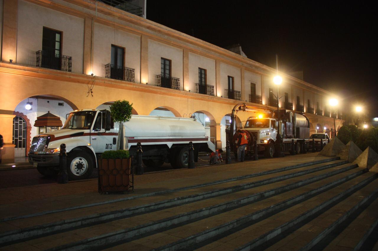 Inicia el Organismo Agua y Saneamiento de Toluca desazolve nocturno 2019