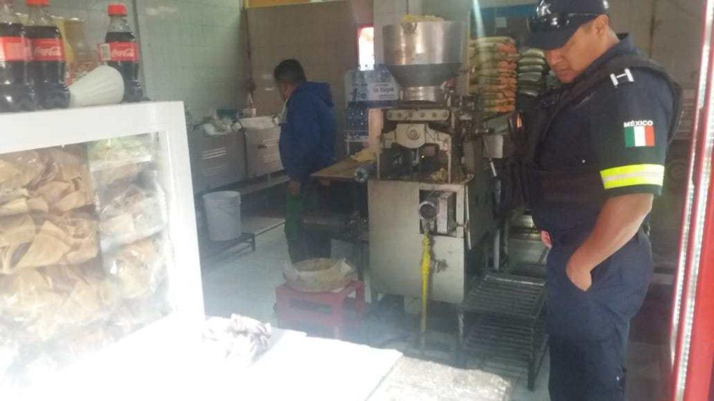 Comerciante es asesinado en Amecameca (imágenes fuertes)