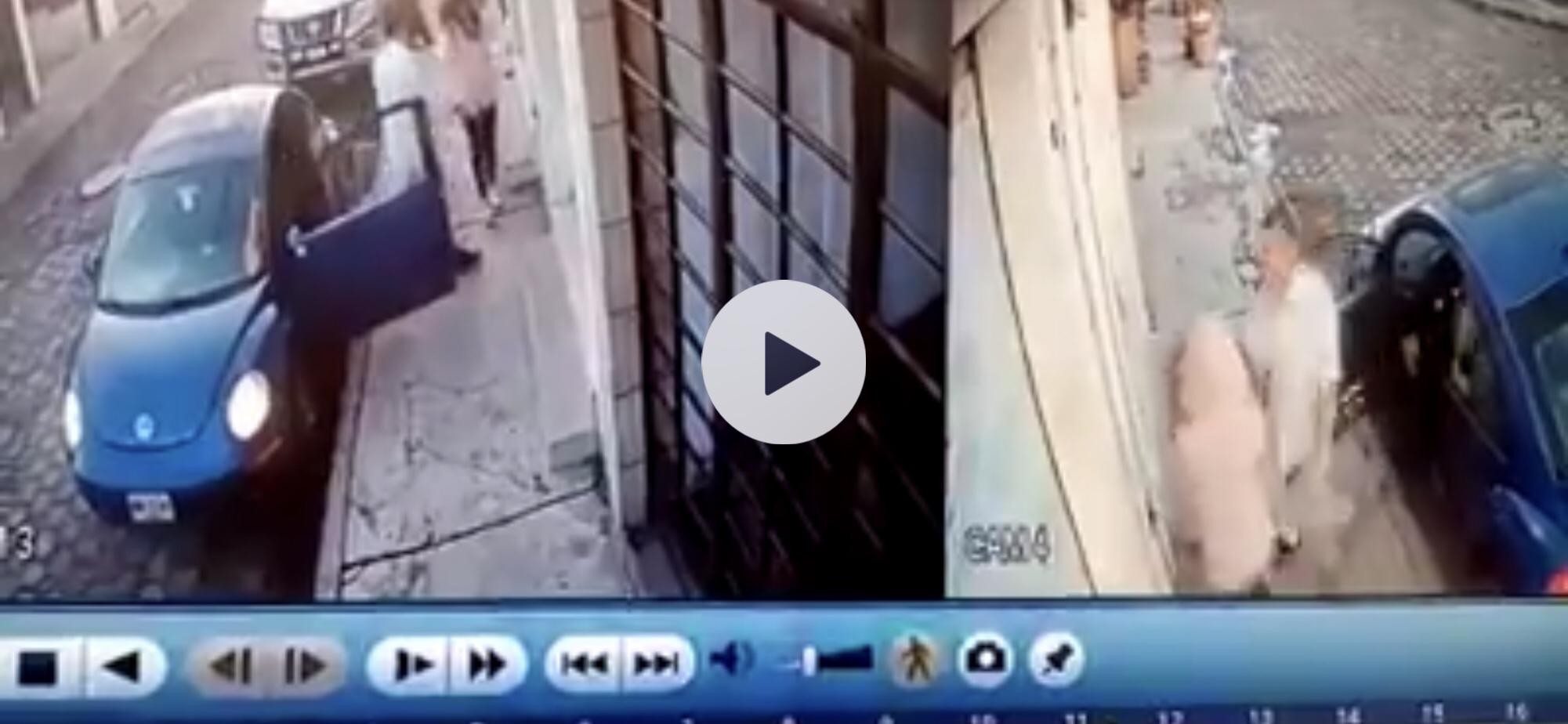 #Video Mujer se salva de ser raptada en Metepec