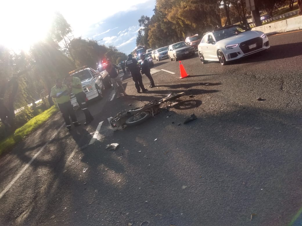 Motociclista muere tras derrapar en Paseo Tollocan