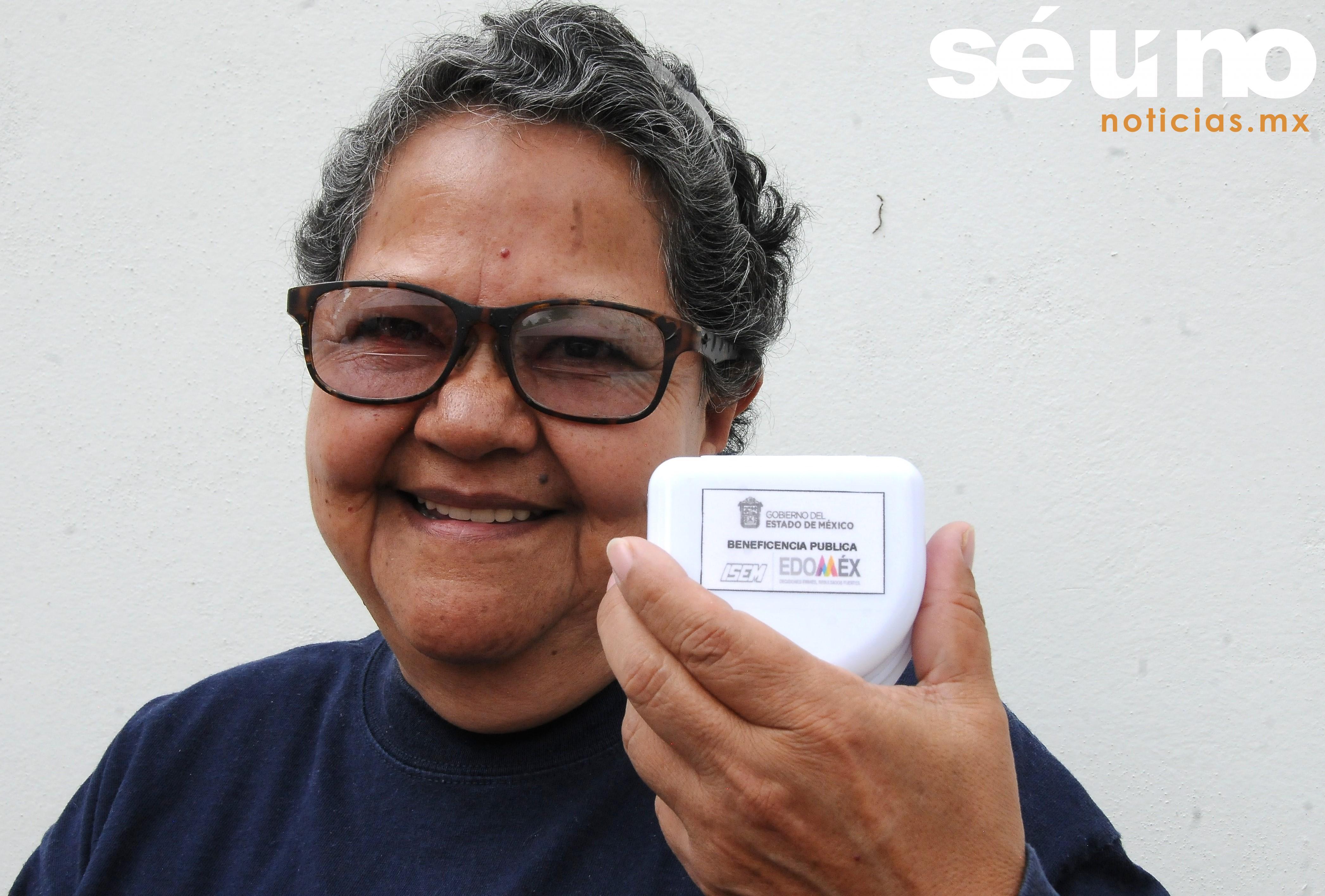 Entrega voluntariado del ISEM prótesis a pacientes para mejorar su calidad de vida