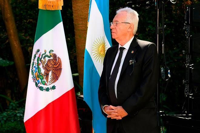 Embajador mexicano en Argentina renuncia por cleptomanía