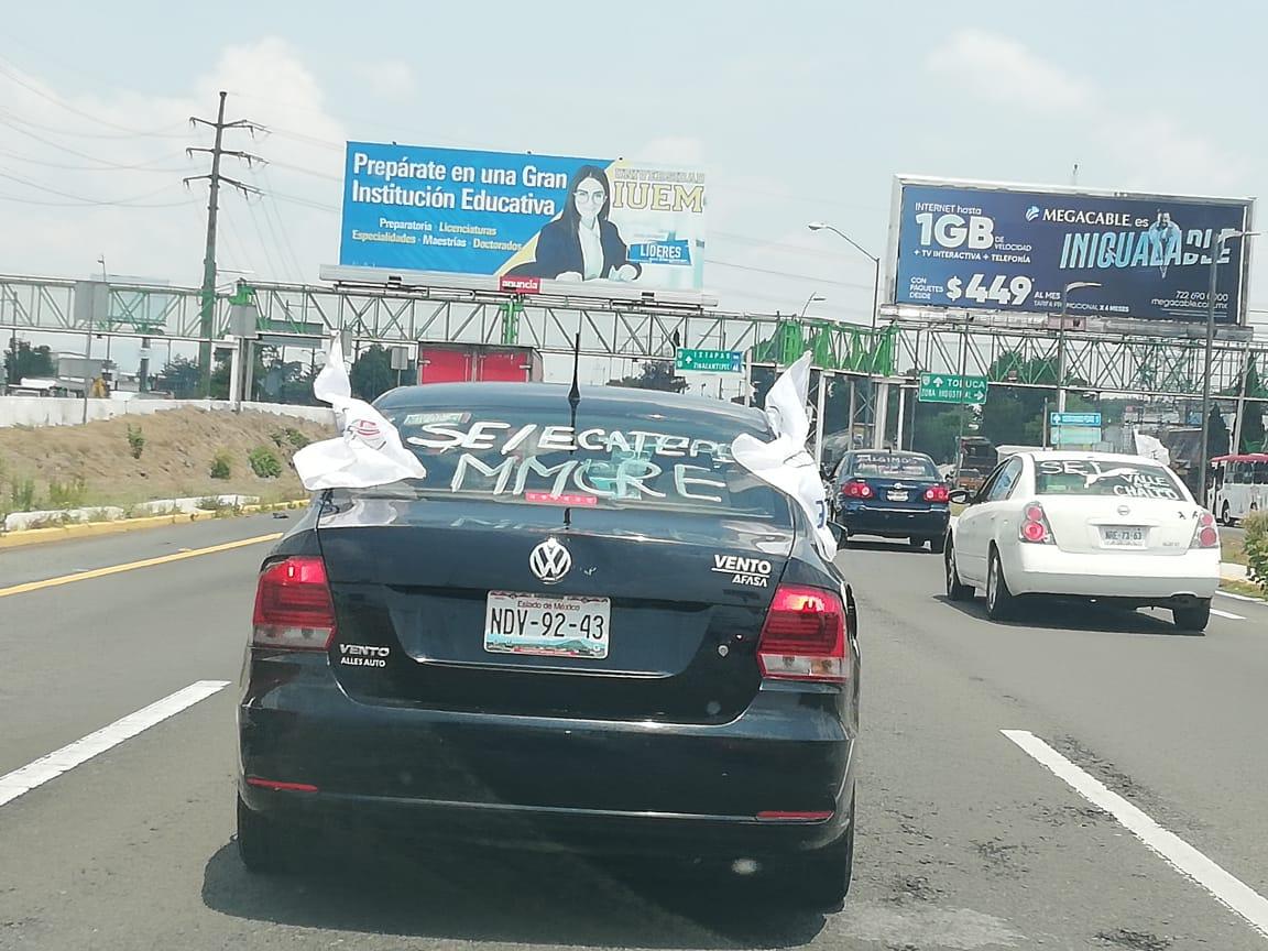 Con caravana maestros piden que gobernador resuelva sus peticiones