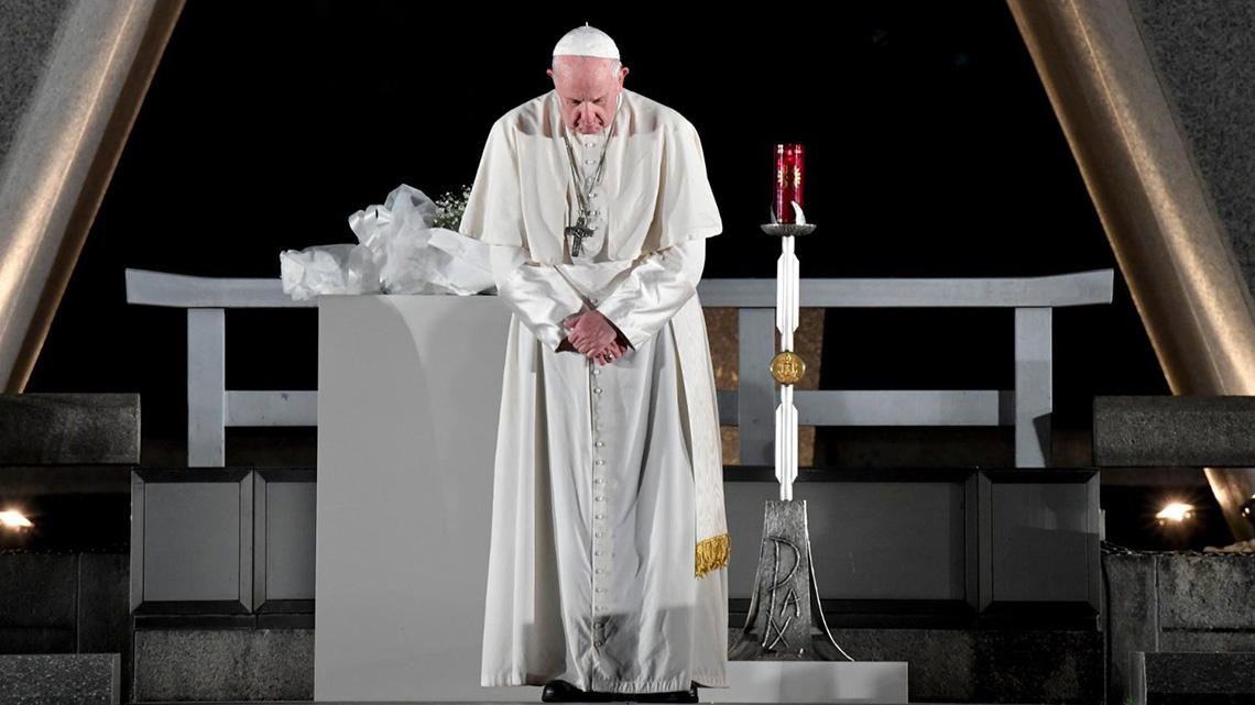Para conseguir la paz hay que destruir armas nucleares, dice el Papa en aniversario de Hiroshima