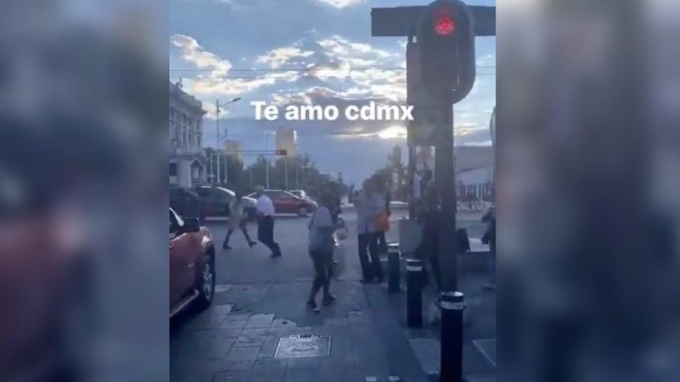 #VIDEO La Chona hace bailar a transeúntes en la CDMX