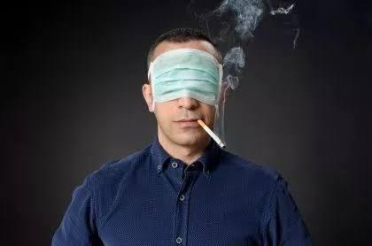 Fumadores corren el doble de riesgo de agravarse si contraen Covid-19