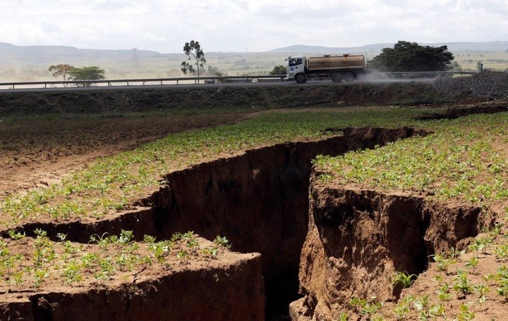 Enorme grieta parte el continente africano