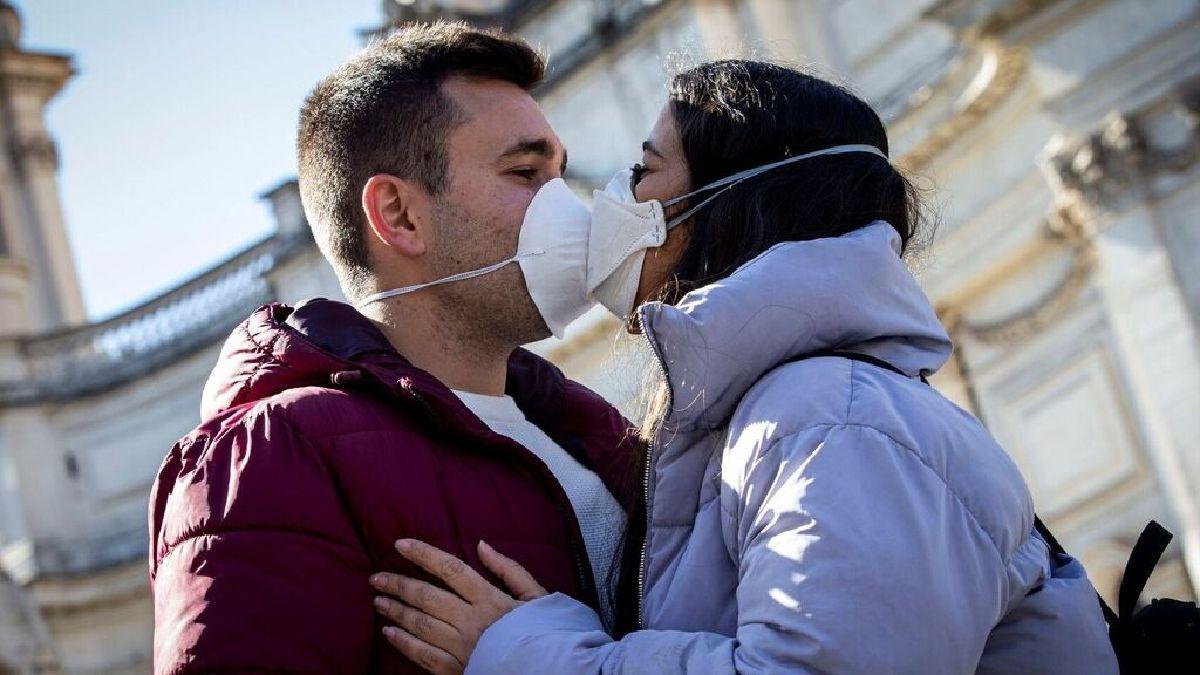 Estar enamorado te hace resistir al COVID-19, asegura experto de la UNAM