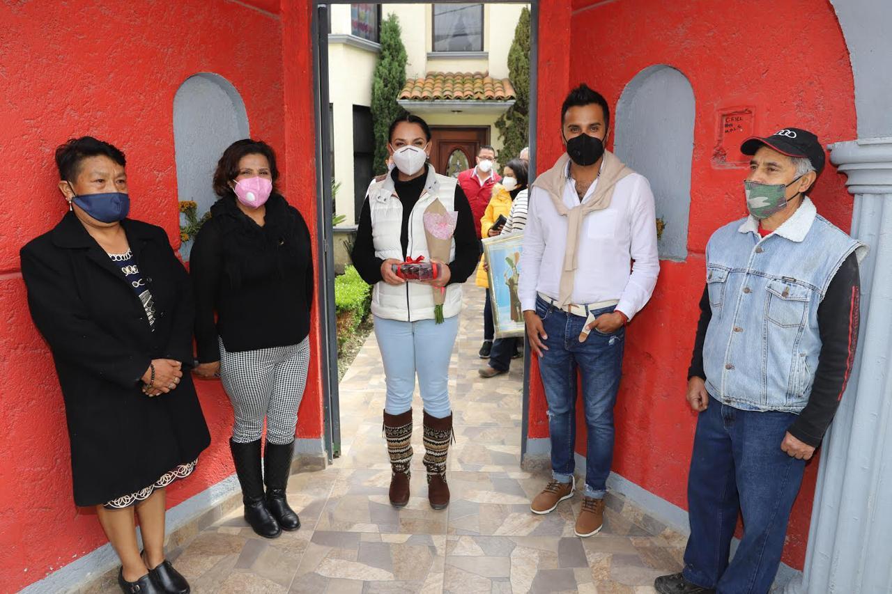 Sostiene Gaby Gamboa fructífera reunión con vecinos de San Miguel Totocuitlapilco