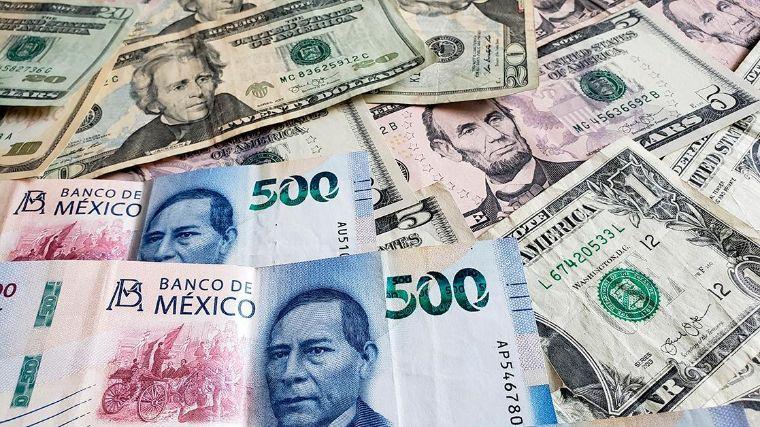 Peso gana terreno al dólar y cotiza por debajo de 20 unidades