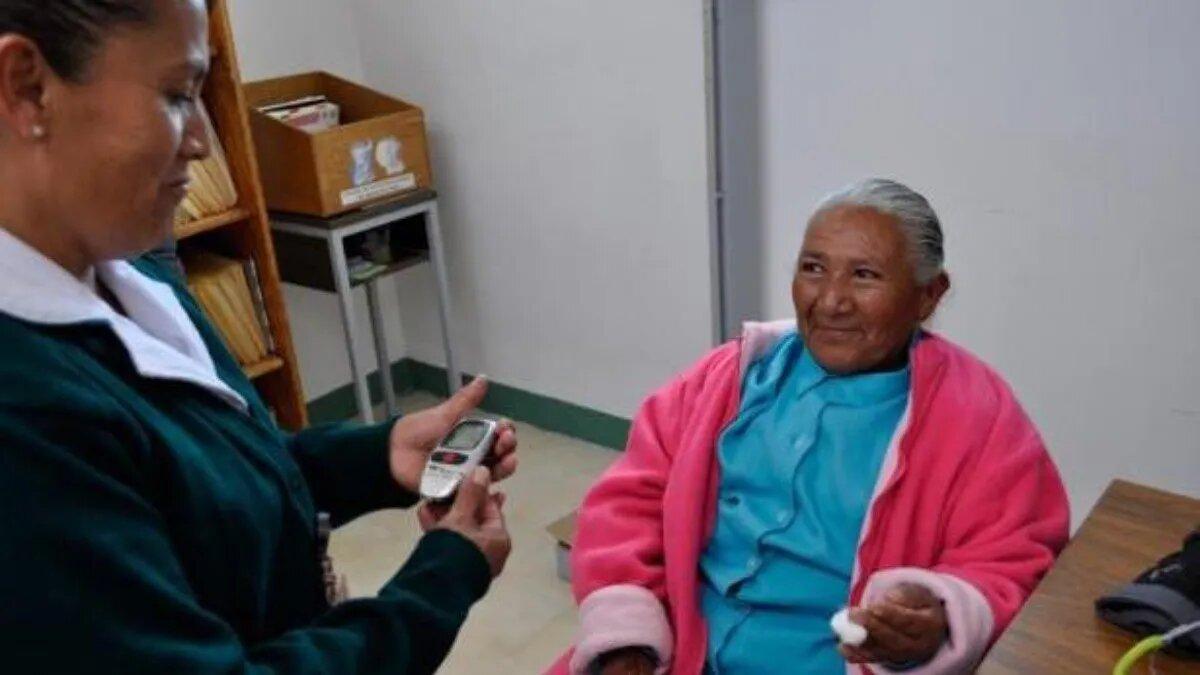 IMSS-BIENESTAR aplica estrategia para detectar el cáncer de mama a mujeres de zonas rurales