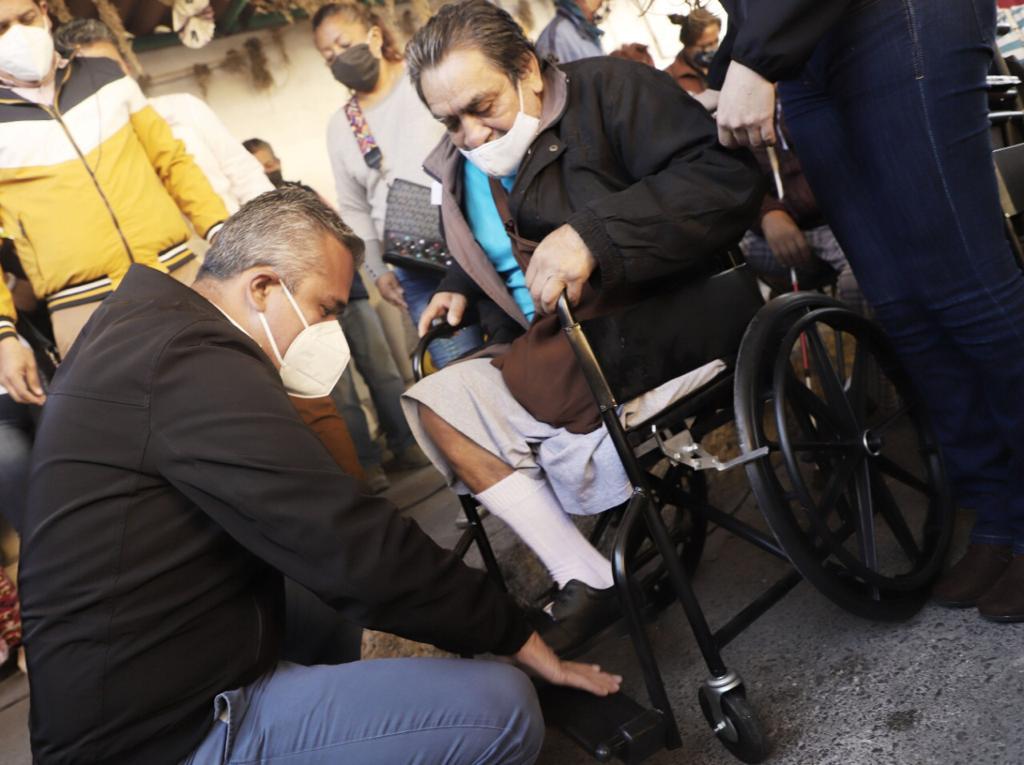 DIF de Ecatepec entrega mil aparatos funcionales a adultos mayores y personas con discapacidad