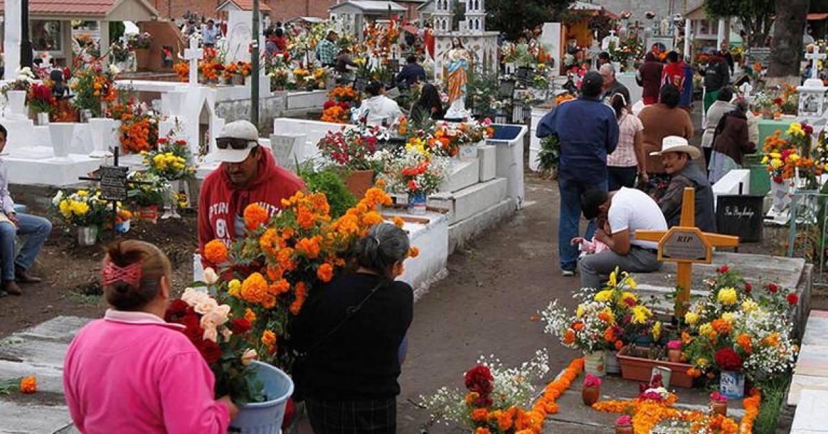 Suspenden en Ecatepec visitas a panteones en Día de Muertos para prevenir contagios de Covid-19