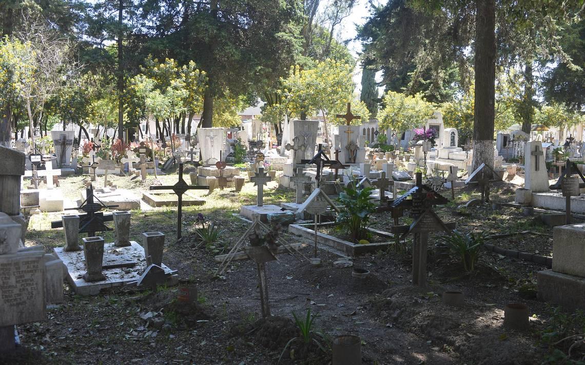 Ediles de Toluca aprueban campaña de regulación de pago de derechos en panteones