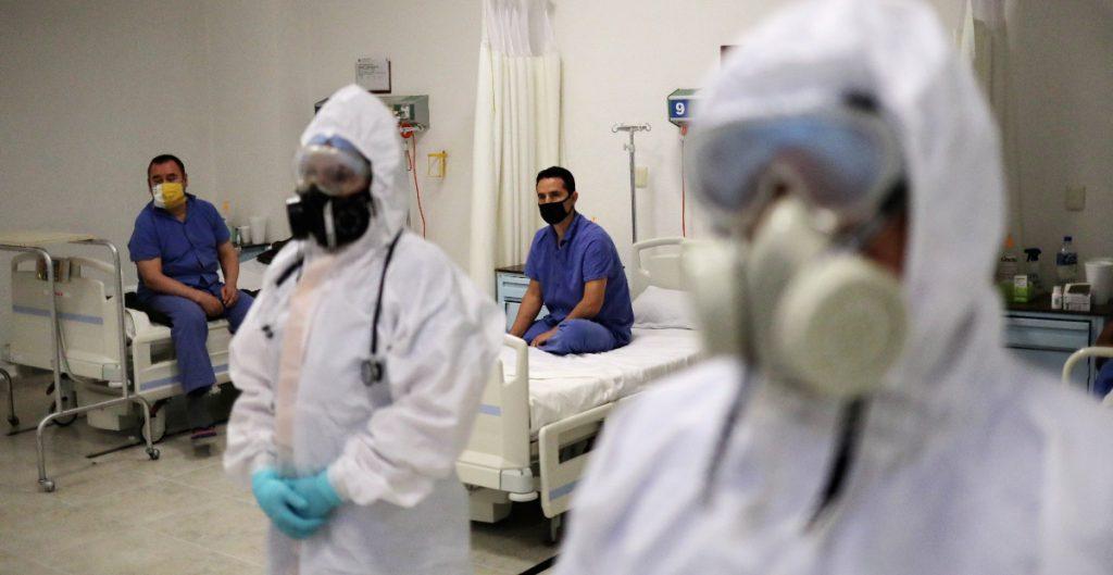 Florida no baja de 10 mil casos nuevos diarios de COVID-19 en tres días