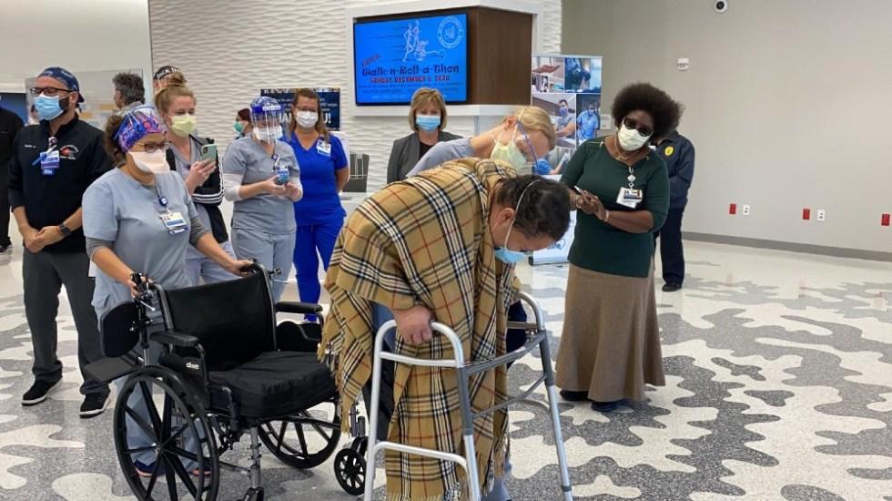 Enfermera es dada de alta tras permanecer nueve meses ingresada con COVID-19