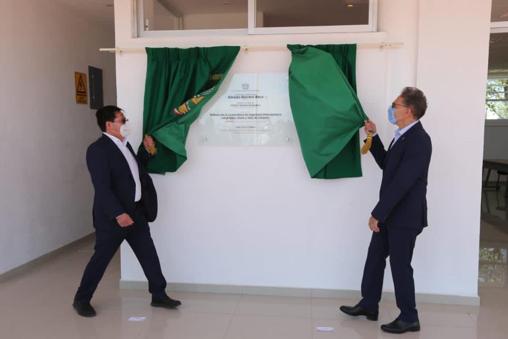 Con inversión de 10 mdp, Alfredo Barrera inauguró edificio para Petroquímica
