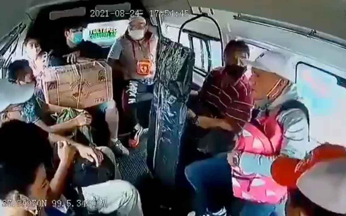 #Video Captan otro asalto más en una combi del Edomex