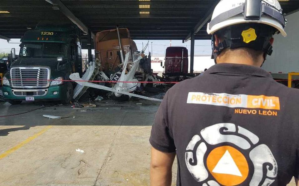 ¡6 muertos!Tras desplome de avioneta en Nuevo León