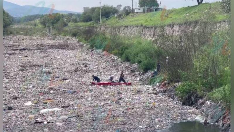 Hallan en canal de aguas negras el cuerpo de niño reportado como desaparecido en Edomex