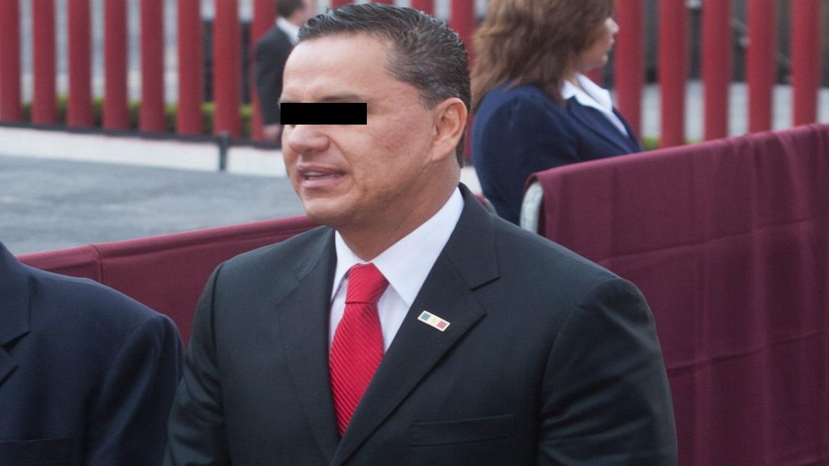 Detienen a Roberto Sandoval, ex-gobernador de Nayarit junto con su hija