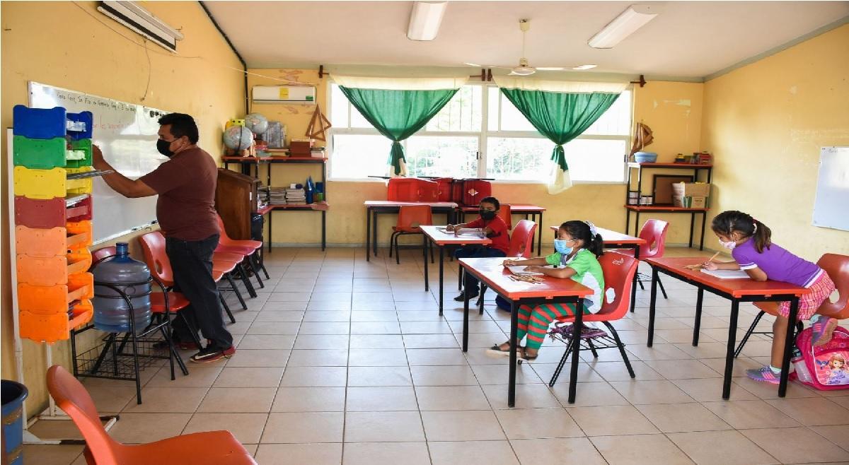 ¿Adiós vacaciones? Ciclo Escolar 2021-2022 se alargará un mes