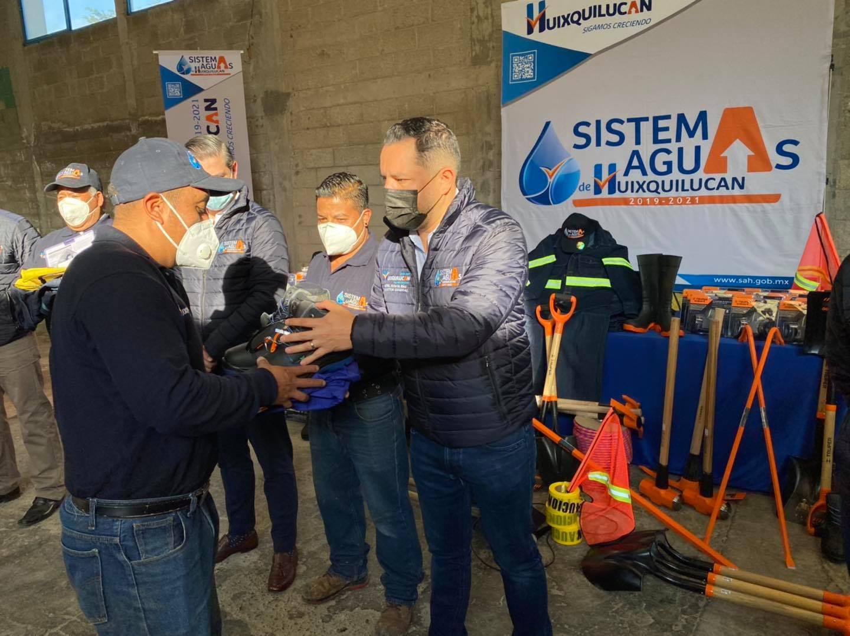 Más equipo a personal del sistema de aguas de Huixquilucan