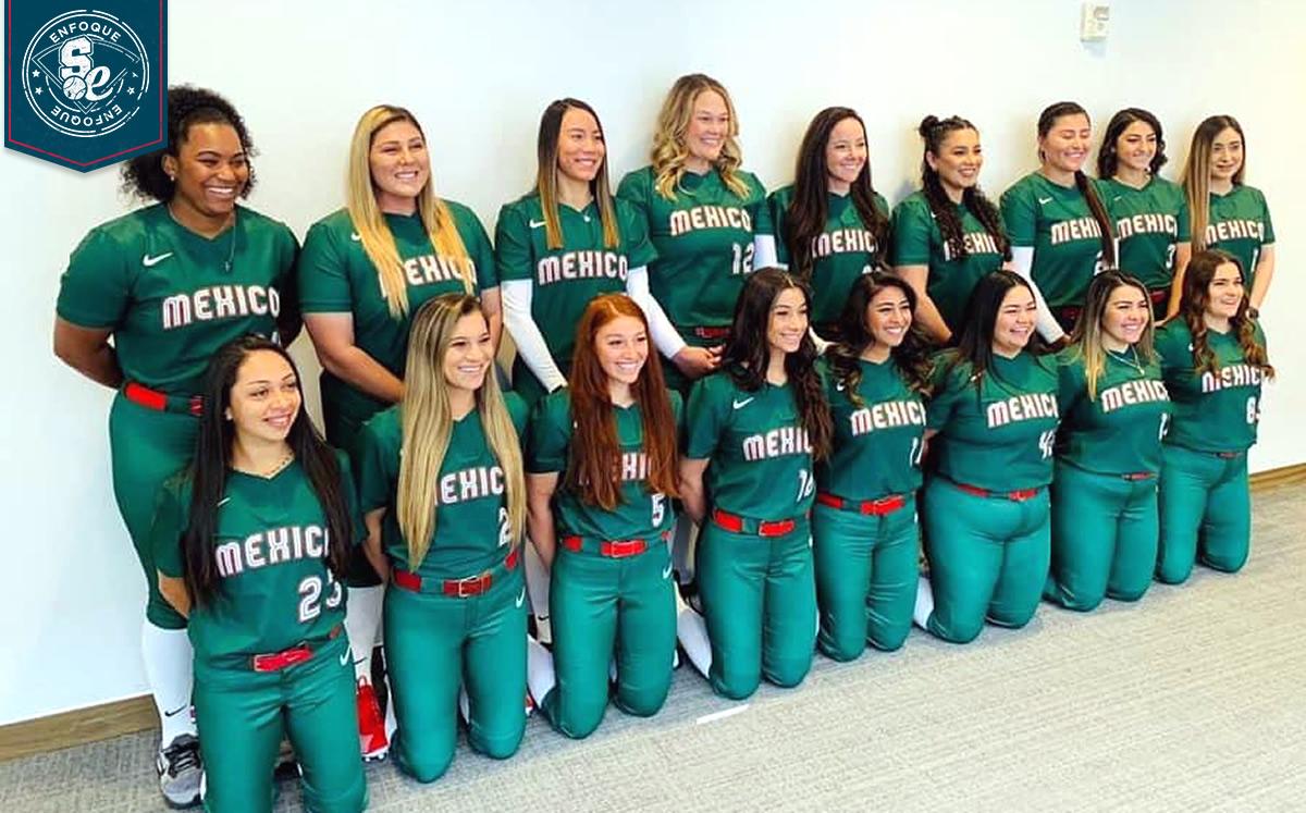 Jugadoras de Softbol de México tiran sus uniformes olímpicos a la basura