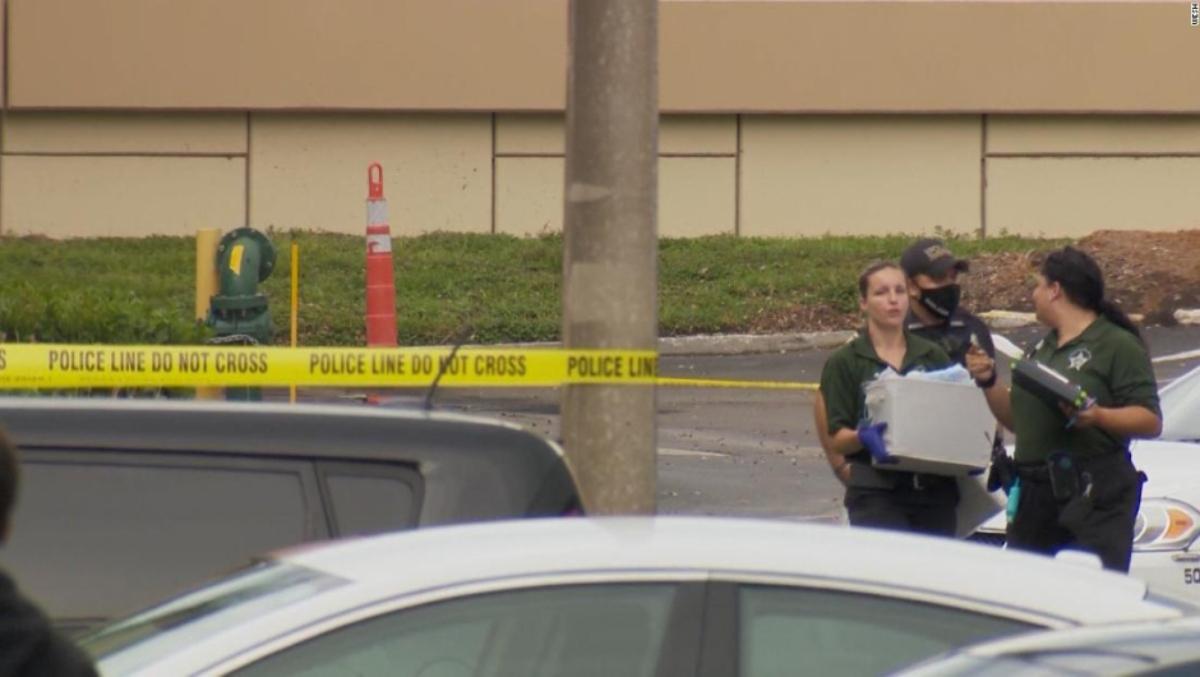 Mujer fallece durante videollamada tras recibir un balazo por parte de su hijo