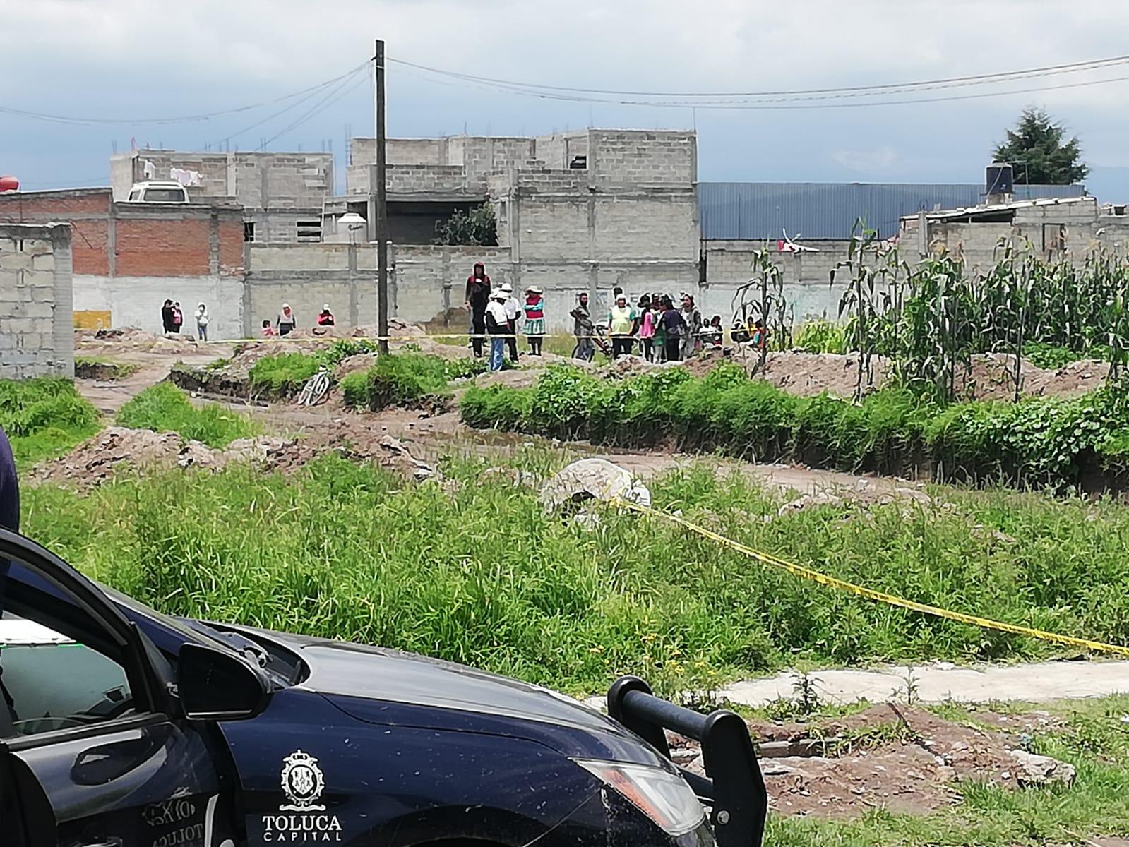 Abandonan cuerpo con un impacto de bala en Toluca