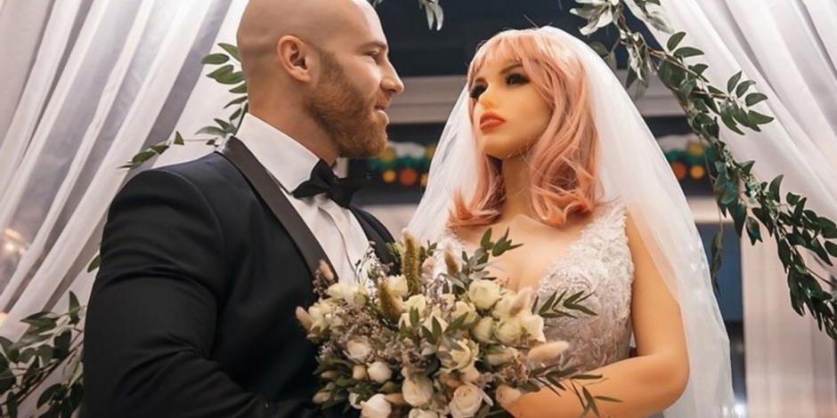 #NoEsBroma El  famoso fisicoculturista ruso  casado con muñeca le es infiel con otras dos y se divorcia