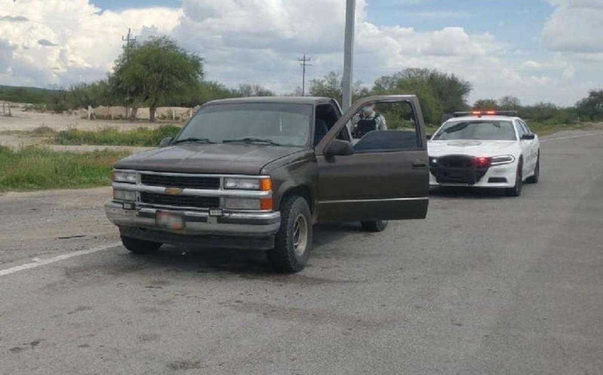 Estadounidense es detenido por viajar con 30 kilos de heroína en su camioneta