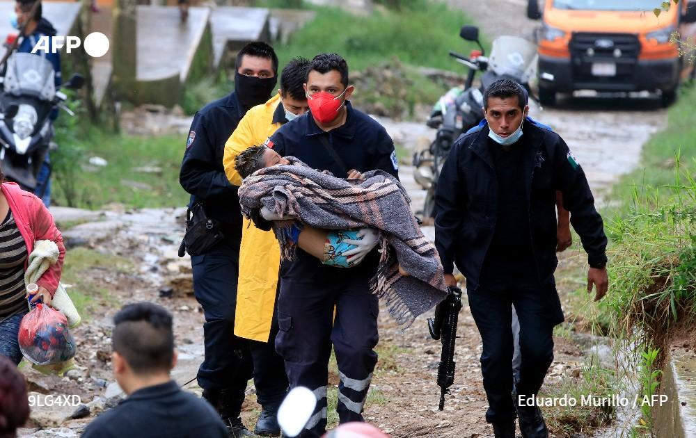 El paso del huracán Grace deja al menos nueve fallecidos en México