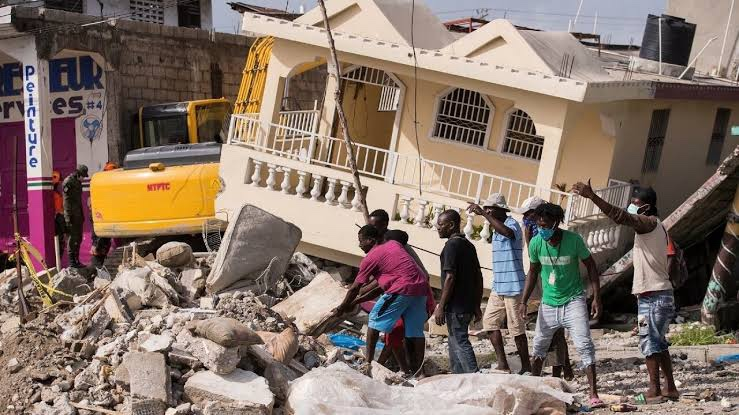 Después de una semana del terremoto de Haití, rescatan a 20 personas con vida