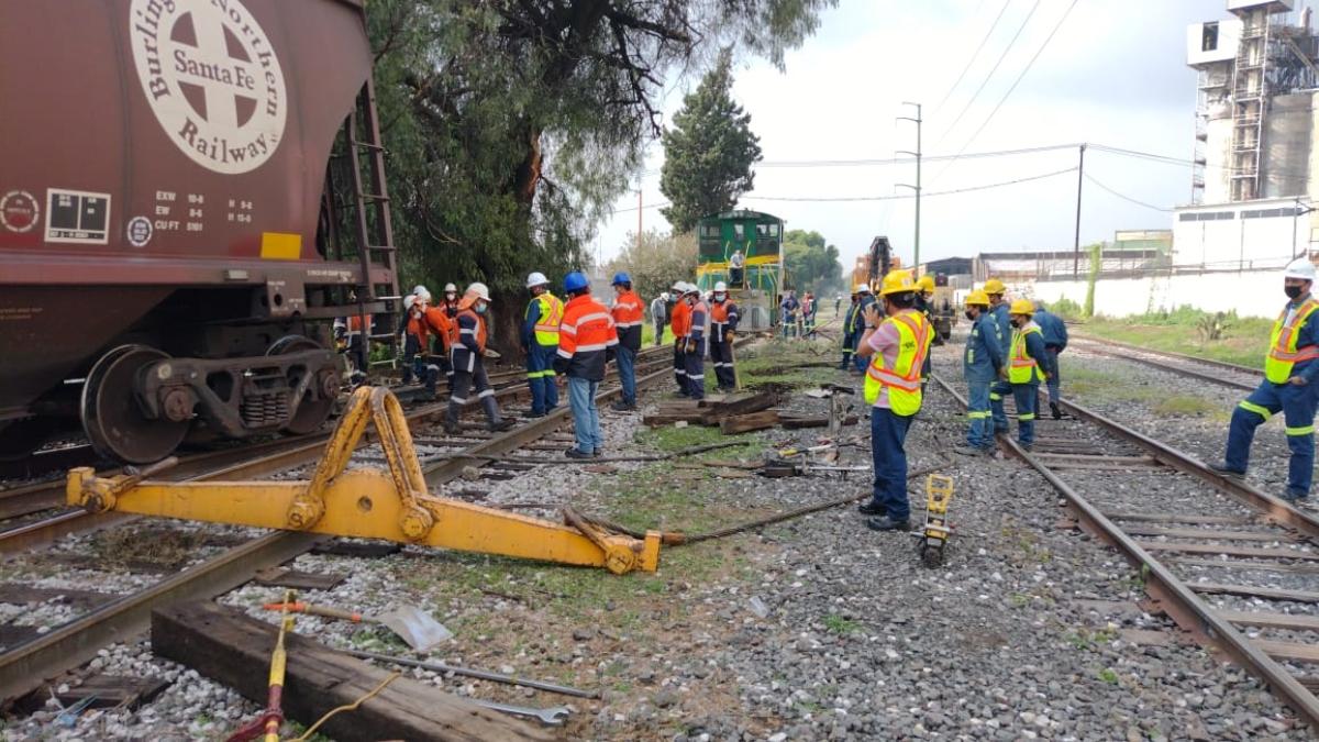 Tolvas del tren se descarrilan en Los Reyes