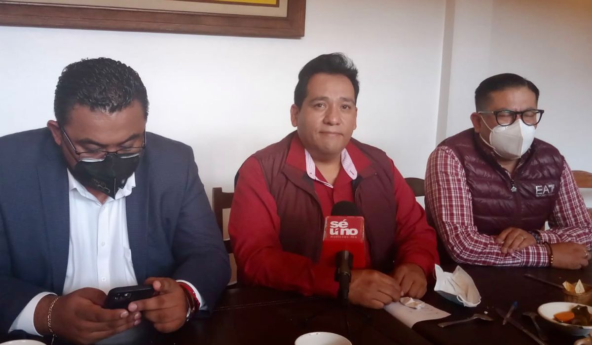 Gil González Cerón se une a las filas de Morena en Ecatepec