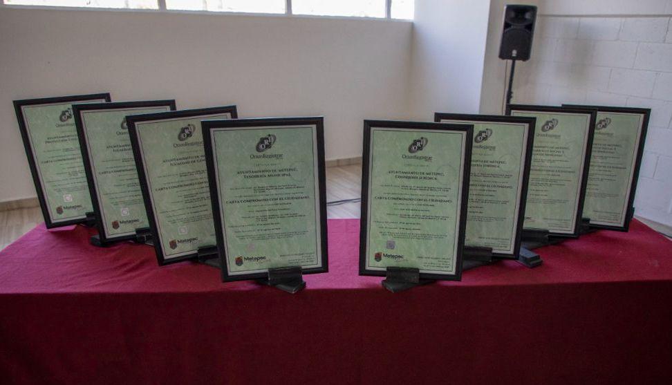 Renueva Gaby Gamboa compromisos con Metepequenses al garantizar cumplimiento eficaz de trámites y servicios