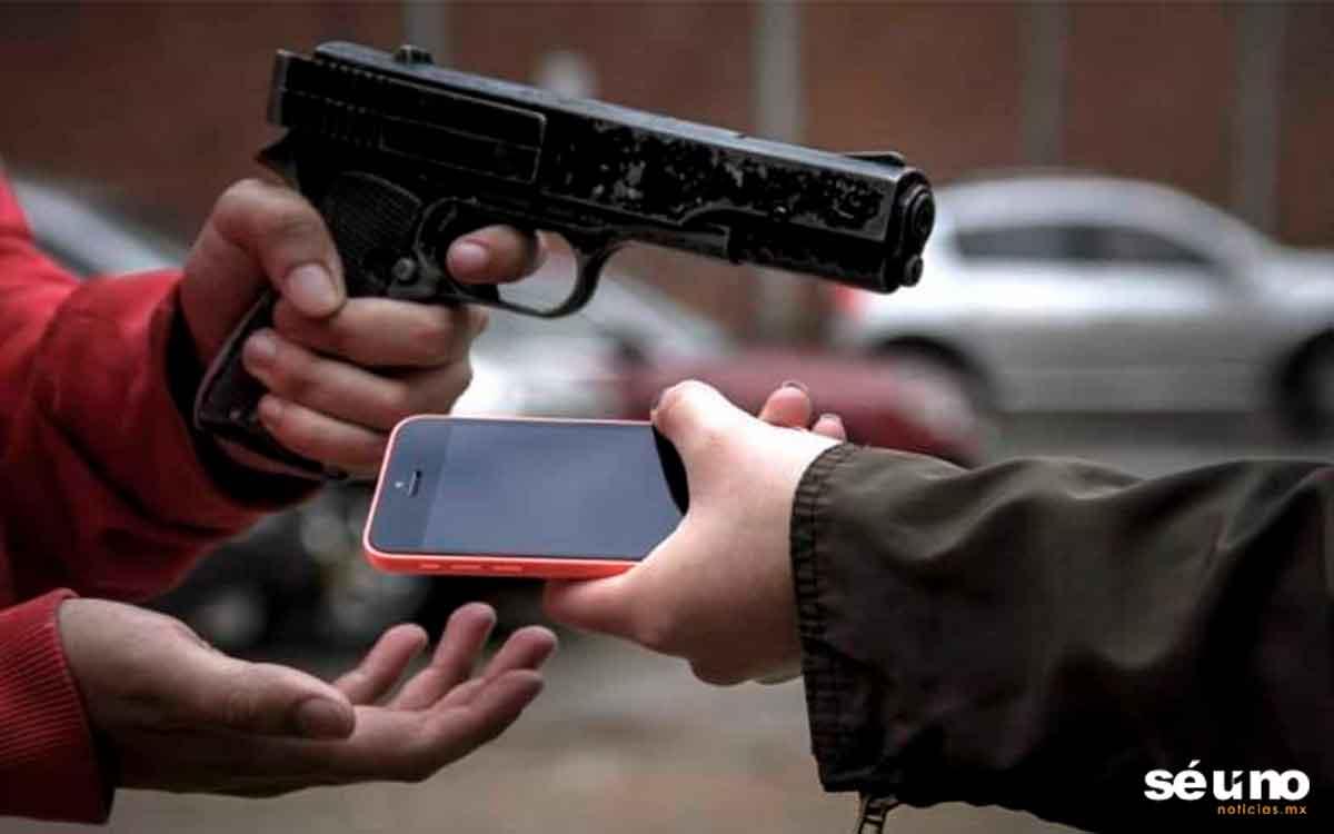 Intenta robar un celular en el paradero de Indios Verdes y casi lo linchan
